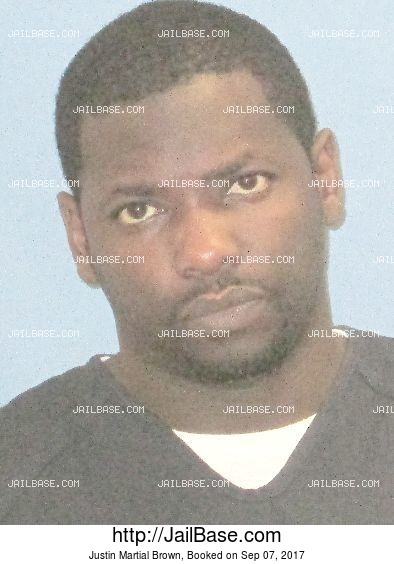 Justin Martial Brown mugshot picture