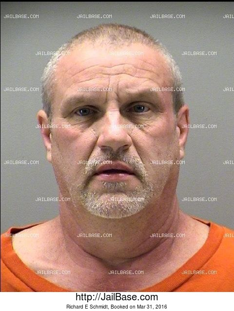 RICHARD E SCHMIDT mugshot picture