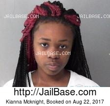 Kianna Mcknight mugshot picture