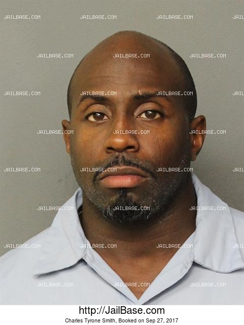 CHARLES TYRONE SMITH mugshot picture